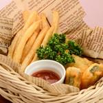 ステーキ&ビア ビストロ・パプリカ - フィッシュ&チップス