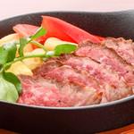 ステーキ&ビア ビストロ・パプリカ - カルビステーキ