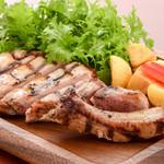 ステーキ&ビア ビストロ・パプリカ - 米澤豚一番育ち骨付ロース