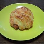 パン工房 ヒビカ - ウィンナーパン