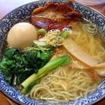麺屋 空海 - 「味玉そば(塩)」860円也。税込。