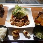 カフェラウンジ華 - 料理写真:生姜焼きランチ1,000円(ワンドリンク付)