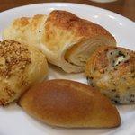 Pane e Trattoria Polvere - パン