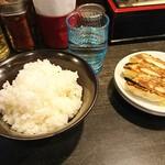 勢拉 - Aセット(餃子3個・ライス)