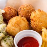 ピッツェリア ヒロ - 揚げピッツァ「ゼッポリーニ」などが入った前菜盛り合わせ