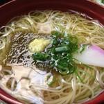 63695384 - ミニ五色そうめん(温かいツユ)。出汁が美味い!