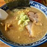 ラーメン水木 - 料理写真:超こってりとんこつラーメン(醤油味)650円