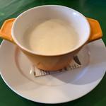 63696938 - 田舎風ジャガイモのスープ