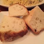 トントンベベ - 自家製パン モチモチ食感のパンです。