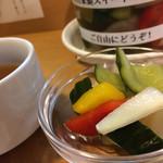 神田たまごけん - ピクルス美味しい。