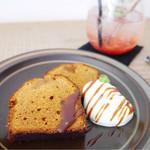 栄久 - キャラメルのパウンドケーキ