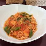 ティースタイル - いんげんと海老のトマトソースパスタ