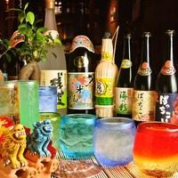 ばっちこい - 泡盛はなんと40種以上!カワイイ琉球グラスでお出しします♪