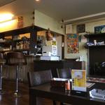 シカール - 店内 (厨房・カウンター)
