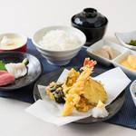 釜焼鳥本舗おやひなや - 刺身と天ぷら御膳