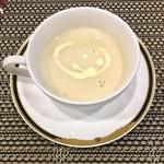 バティチ - Aランチの カリフラワーのスープ