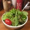 エガサン - 料理写真:醤油とレモンがベースになったようなドレッシングのサラダ。