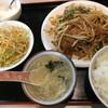 中国家庭料理 有楽飯店 - 料理写真:レバニラ炒め定食600円