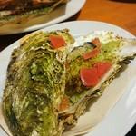 イタリアン酒場「ナチュラ」 - 牡蠣の香草パン粉焼き