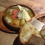 NATURA MARKET - 牡蠣と筍のアヒージョとガーリックトースト