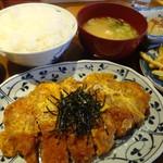 食べ処呑み処 柳ばし - さーびす日替わり定食のロース煮かつ定食
