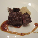 オリエンタルホテル - オーストラリア産ビーフサーロインの網焼き 粒マスタードソース
