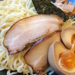 北海道らぁ麺 ひむろ - 味噌つけ麺。大盛にしてしまった。