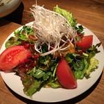 なっぱjuicy - 唐揚あんこう?とトマトのサラダ??