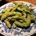 なっぱjuicy - 枝豆ガーリックナンプラー炒め