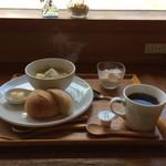 水辺のカフェ 三宅商店 酒津 - 今日のモーニング、これで650円です♪(2017.3.10)