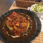 63731673 - 日替わり、チキンのトマト煮のせカレー