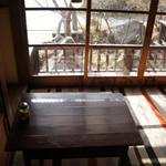 水辺のカフェ 三宅商店 酒津 - 座敷席で、私はこの席が気に入りました♪(2017.3.10)