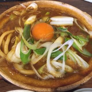 鯱市 大須店 - 見た目は味噌煮込みうどん!卵とネギはトッピング