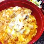 親子丼 ほっこりや - 料理写真:炭焼鶏の親子丼800円