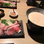 のうのう箱根 - 料理写真:トップフォト 豆乳しゃぶしゃぶ