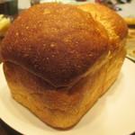 63747208 - 食パン