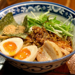 麺屋 桜 - 魚介入り油そば