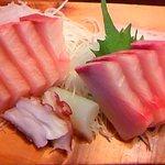 弥次喜多 - 寒ぶり刺身定食の「刺身」部分⇒1280円