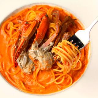 愛され続ける大人気パスタ!渡り蟹のトマトクリームパスタ