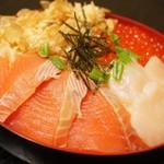 郷土料理 武田 - 【しべつ鮭三代漬け丼】鮭・ほたての漬け、イクラ鮭ぶしと標津の特産がてんこ盛り!
