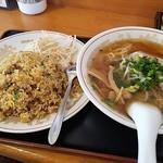 蓬莱閣 - ラーメン定食700円