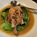 ガーリック ガーリック - 牡蠣とちんげん菜のガーリックバター炒め