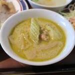 東銀座のタイランド食堂 ソイナナ - グリーンカレーは辛さはほとんどない