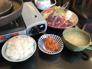 北海道式ジンギスカン じんじん - ジンギスカン定食