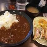 63765305 - 牛すじトマトカレー餃子ランチ