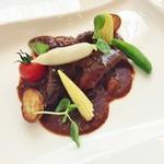 ビストロ イブー - 牛肉の赤ワイン煮込み♪