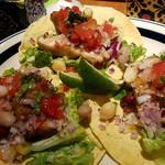Mexican Dining AVOCADO - チキンタコス