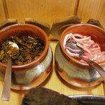 博多 中の字 - 「中の字」辛子高菜と紅生姜