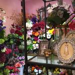 63770035 - 店内はお花がたくさん♡