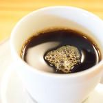 ル・コントワール・オクシタン - コーヒーも。酸味は控え目(だったはず)。苦味強めに。